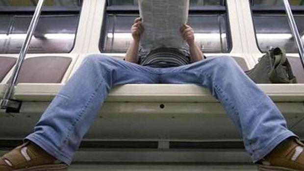 """Metroda """"Yayılarak Oturma"""" Uyarısı"""