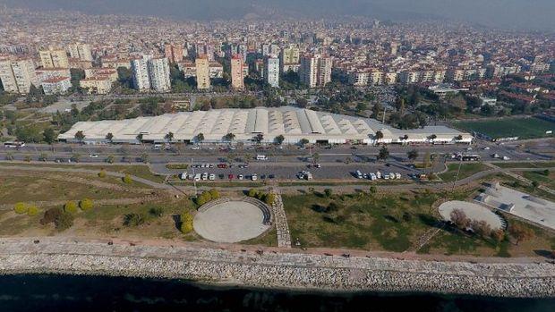 İzmir Bostanlı Pazar Yeri Ücretsiz Otopark Oldu