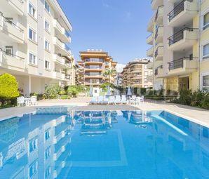 Zeytinburnu Belediyesi Açık Havuzu Yasakladı 1+1'i Kısıtladı