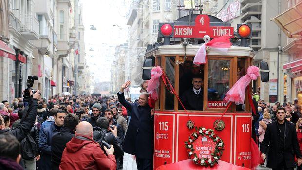 Taksim Tramvayı Yeniden Hizmete Açıldı! 1 Hafta Bedava!