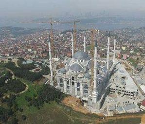 Çamlıca Camii Eteklerindeki Dönüşüme Bakanlık El Attı