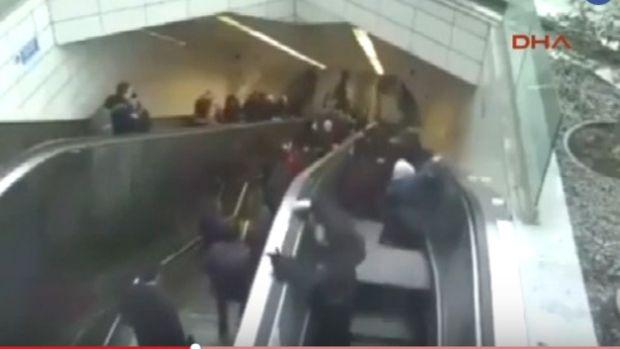 Ayazağa Metrosunda Yürüyen Merdivenin Adamı Yutma Anı Kameralarda!