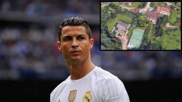 Ronaldo İtalya'da Bu Köşkte Yaşayacak!