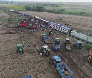 Tren Kazasında 24 Ölü 318 Yaralı!